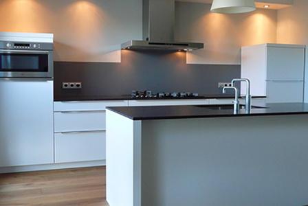 Kunststof Achterwand Keuken : Keukenherstel hecht waarde aan uw keuken